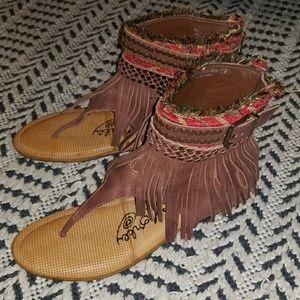 Boho fringe sandal